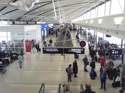 デトロイト空港.jpg