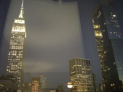 ホテルの窓から見た夜景.jpg